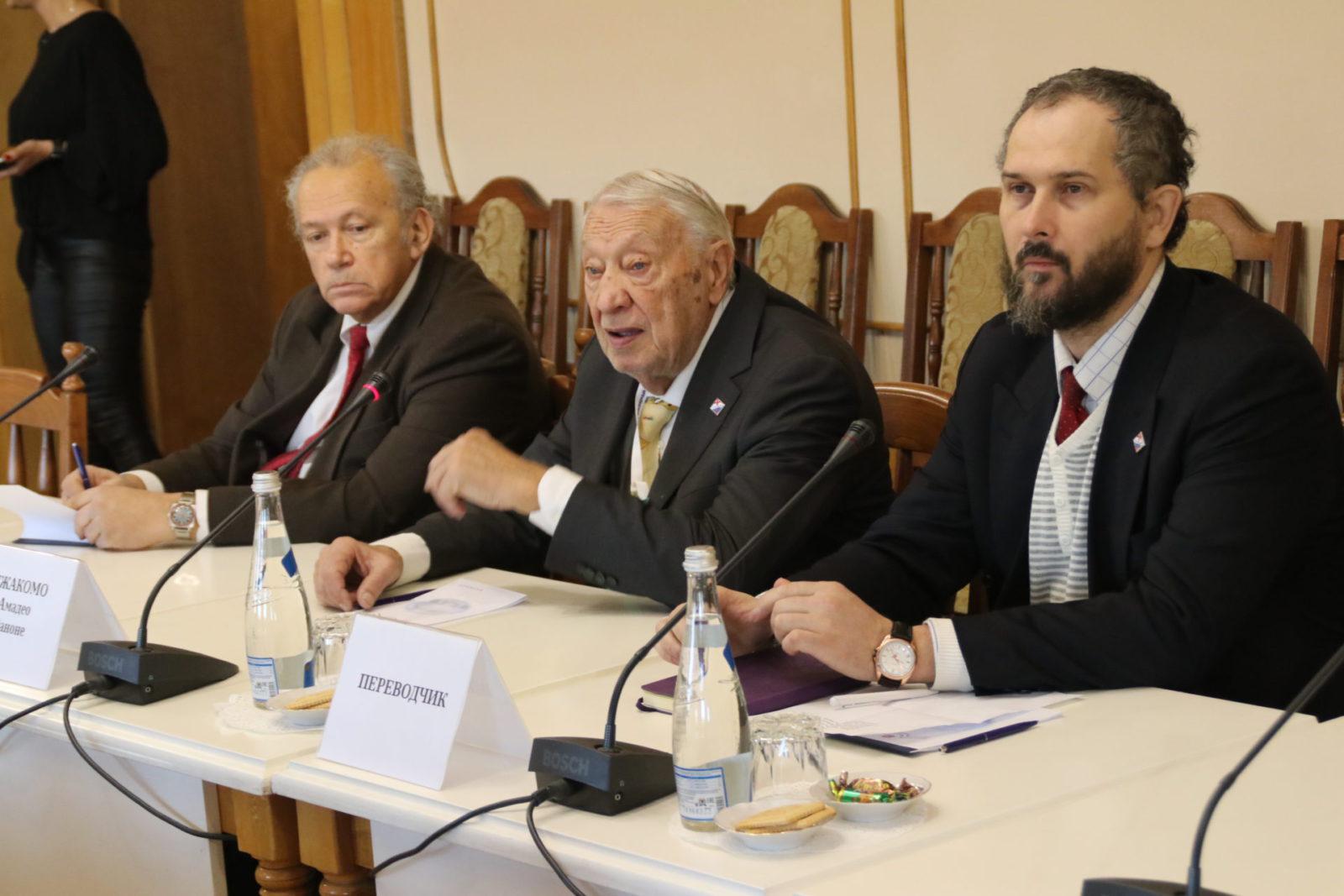 В Крыму работает делегация учёных из Италии [видео]