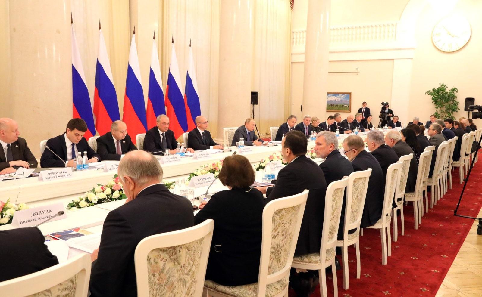 2022-й станет годом народного искусства и культурного наследия народов России, — поручение Президента