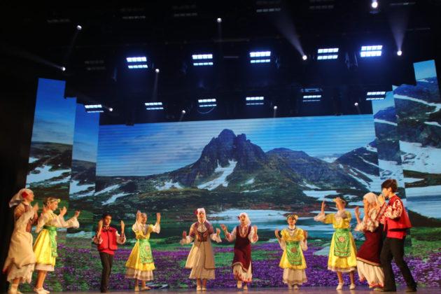 Болгары Крыма отметили 25-летие автономии концертом в Симферополе [видео] [фото]