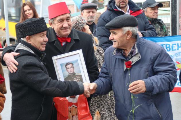 В Симферополе почтили память лётчика-аса Амет-Хана Султана [фото]