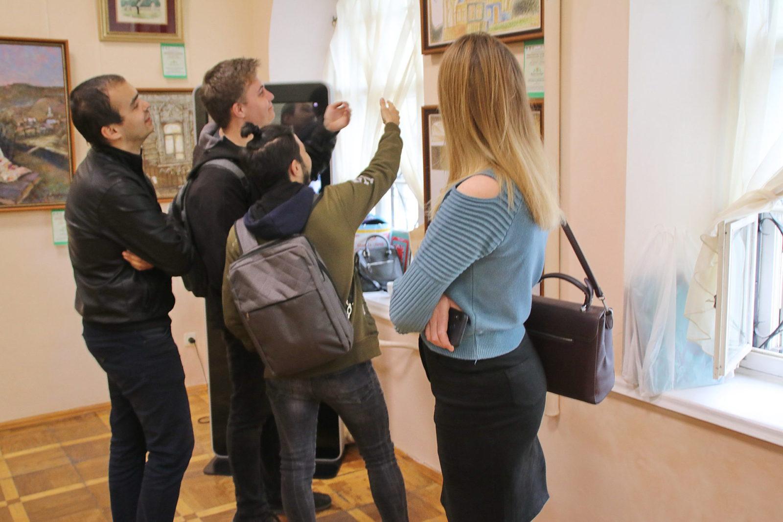 Крым и Татарстан обменялись выставками [фото]